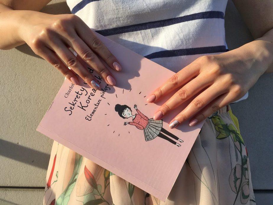 manicure hybrydowy srebrny
