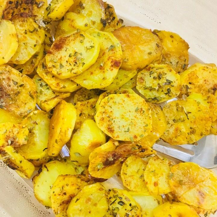 pieczone ziemniaki z dodatkiem oregano