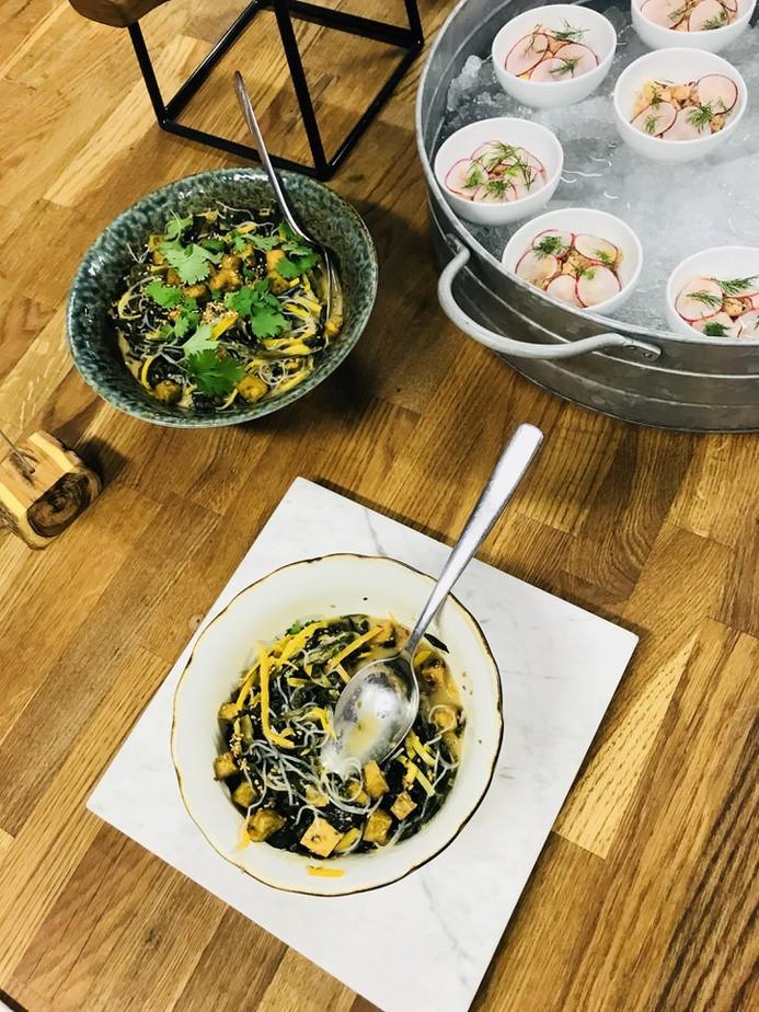 wakame salatka z glonow - Warsztaty kulinarne w Food Lab Studio w Warszawie