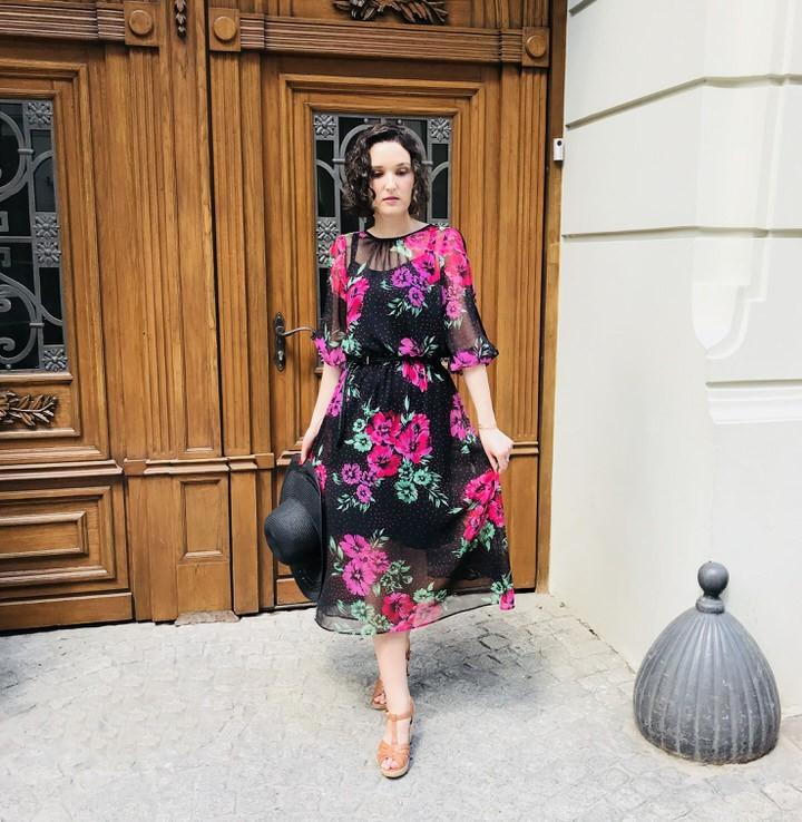 sukienka z krakowskiej manufaktury - Sukienka w kwiaty stylizacja