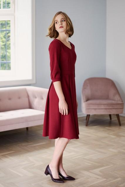 bordowa sukienka Marie Zelie ze średniej długości rękawem