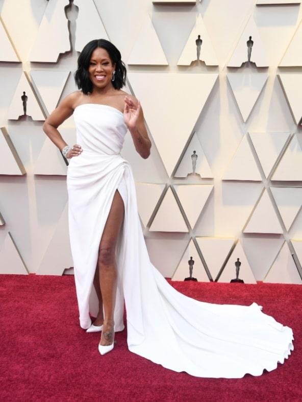 Biała suknia na bal