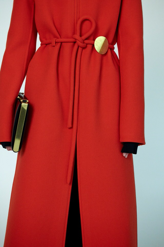 zimowy czerwony płaszcz damski