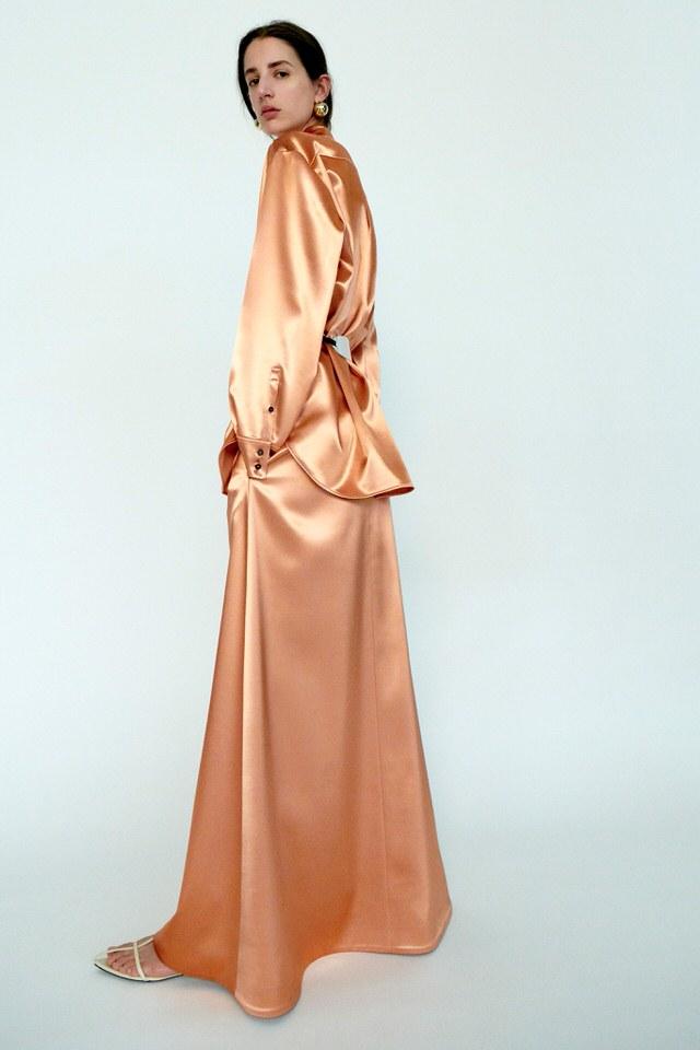 sukienka z jedwabiu jasna