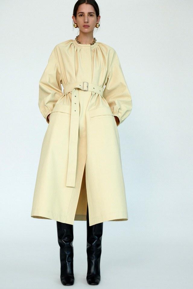 żółty płaszcz damski jasny