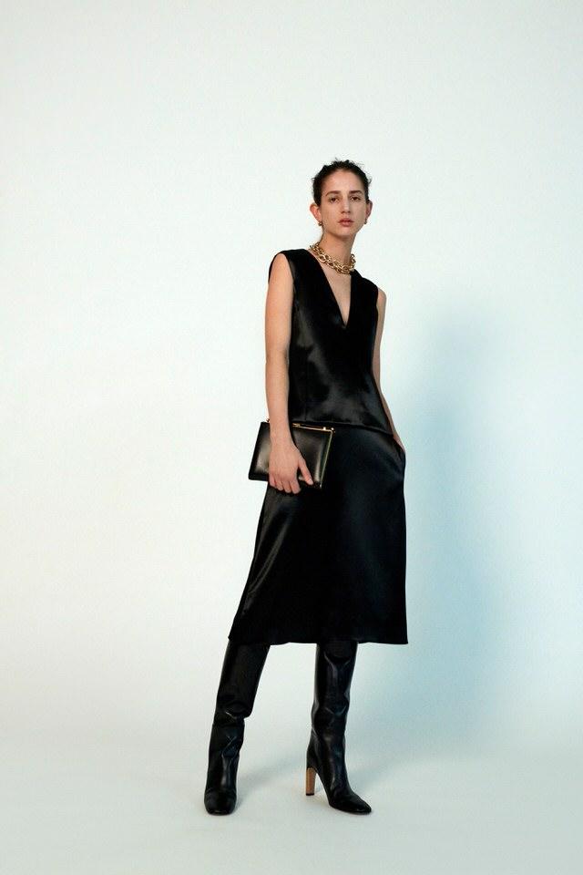 czarna sukienka elegancki krój