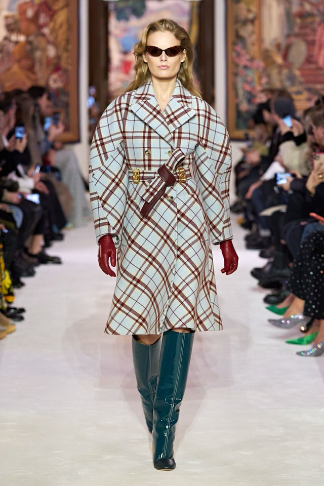 miętowy płaszcz damski w kratę