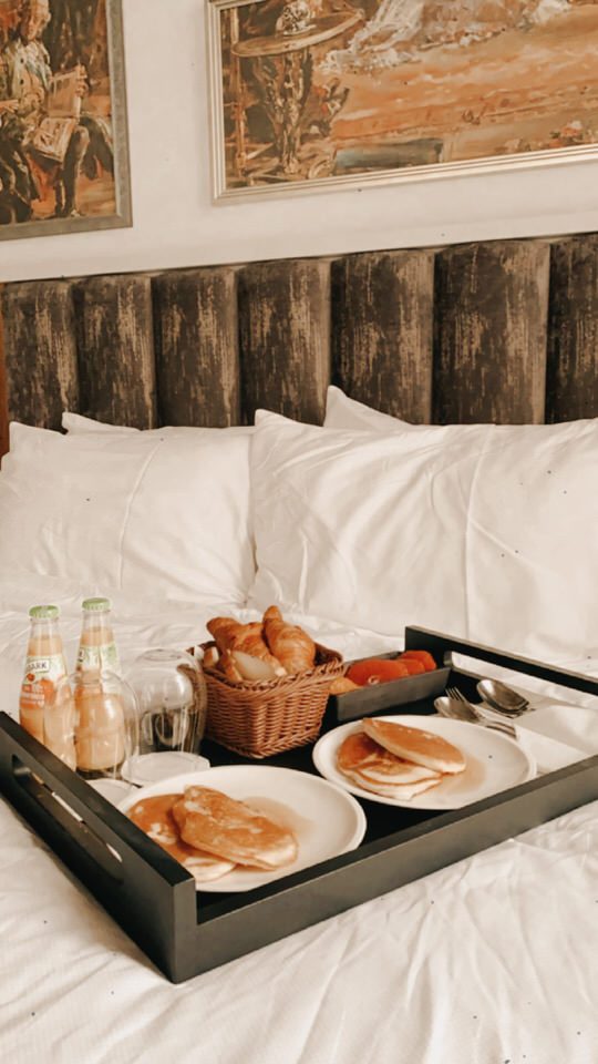 wegańskie śniadanie hotel